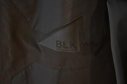 黒一色のハイスペックウェア「BLK」新作発表