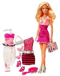 バービー人形の歴史を振り返る展覧会 ドレスの試着体験も