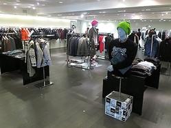 バーニーズ ニューヨーク日本1号店メンズフロア新装オープン