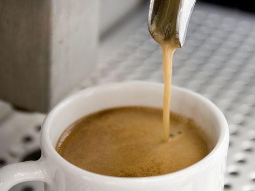 「マナーの悪い客はコーヒーの値段が高くなります」フランスに斬新なカフェが登場