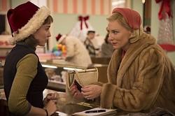 美しい二人が惹(ひ)かれ合う…映画『キャロル』より  - (C)NUMBER 9 FILMS (CAROL) LIMITED / CHANNEL FOUR TELEVISION CORPORATION 2014  ALL RIGHTS RESERVED