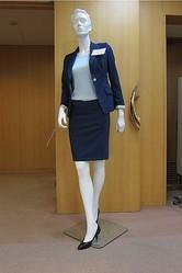 「銀座の男市」初の女性向けオーダースーツ揃えて開幕