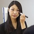 働く女子必見!人に信頼される顔の作り方「口角が下がらないように注意」