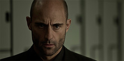 『記憶探偵と鍵のかかった少女』のマーク・ストロング(C)2013 OMBRA FILMS, S.L. - ANTENA 3 FILMS, S.L.U. - MINDSCAPE PRODUCTIONS,
