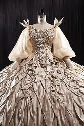 石岡瑛子の遺作「白雪姫と鏡の女王」の衣装展が開催