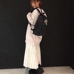 トレンドの「プリーツスカート」をフェミニン&カジュアルに着回す方法♡
