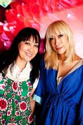 蜷川実花・宏子、コラボ作品展で母と娘の共演