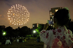 SAKURAKO enjoys a grand display of fireworks.