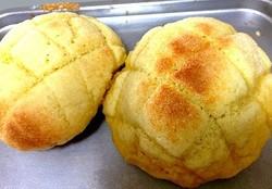 市販のロールパンでメロンパンができた!