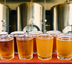 永久にビールの製造できる装置、飲む→排尿→尿でビール造る→飲む。