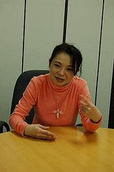 「組合活動はスマイルで」と話す松村比奈子さん