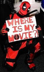 ついに映画来るよ!-デッドプールのコスプレイヤー  - Getty Images Entertainment / Getty Images