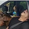 ヘロイン過剰摂取の男女の写真が凄まじい(出典:http://metro.co.uk)