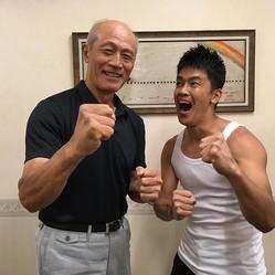 「拳デカすぎる」と驚く武井壮(出典:https://www.instagram.com/sosotakei)