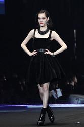 第15回「東京ガールズコレクション」開幕 トップモデルは水原希子