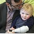 3Dプリンターで息子の腕を作った父(出典:https://3dprintingindustry.com)