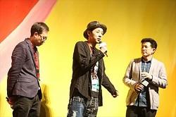 香港国際映画祭の舞台挨拶&トークイベントに登壇した宮藤監督  - (C) 2016 Asmik Ace, Inc. / TOHO CO., LTD. / J Storm Inc. / PARCO CO., LTD. / AMUSE INC. / Otonakeikaku Inc. / KDDI CORPORATION / GYAO Corporation