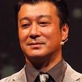 最近は、相方だった山本と仲がいい加藤浩次