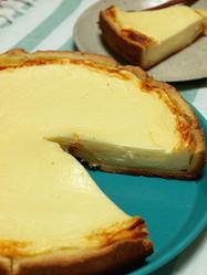【裏ワザ】フライパン×水切りヨーグルトで「チーズケーキ」ができた!