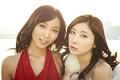 まるで姉妹?のような吉木りさ(左)と仲村みう(右)。マンガ、アニメ好きで共通するふたりは、グラビアに対する考え方もいっしょ