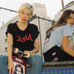 x girl スケボー