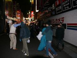 いよいよ発売!『ファイナルファンタジーXIII』夜9時から並んで一番乗り!