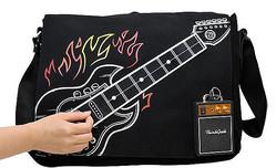 ただギターが描かれているだけではない。本当に弾ける。
