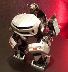 夢の完全自動変形「トランスフォーマー」と、フル電動「ゾイド」登場 - おもちゃショー出品の試作品を解説! (1) ロボット・ブランド「Omnibot」の系譜に位置づけた参考出品