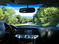 男性が選ぶ、長距離ドライブで盛り上がるおすすめ音楽