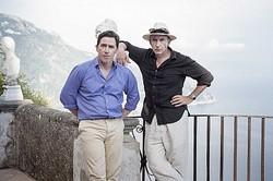 ものまね合戦を繰り広げる映画『イタリアは呼んでいる』のロブ・ブライドンとスティーヴ・クーガン  - (C) Trip Films Ltd 2014