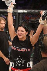 地力を発揮してきただけに、ジナ・カラーノの今後も女子MMAの今後ともに気になる