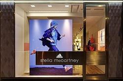 ステラ×アディダス ロンドン五輪開催前に初の単独店オープン