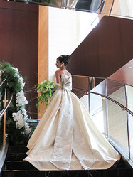 ニコライ・バーグマン初のウエディングドレス発表