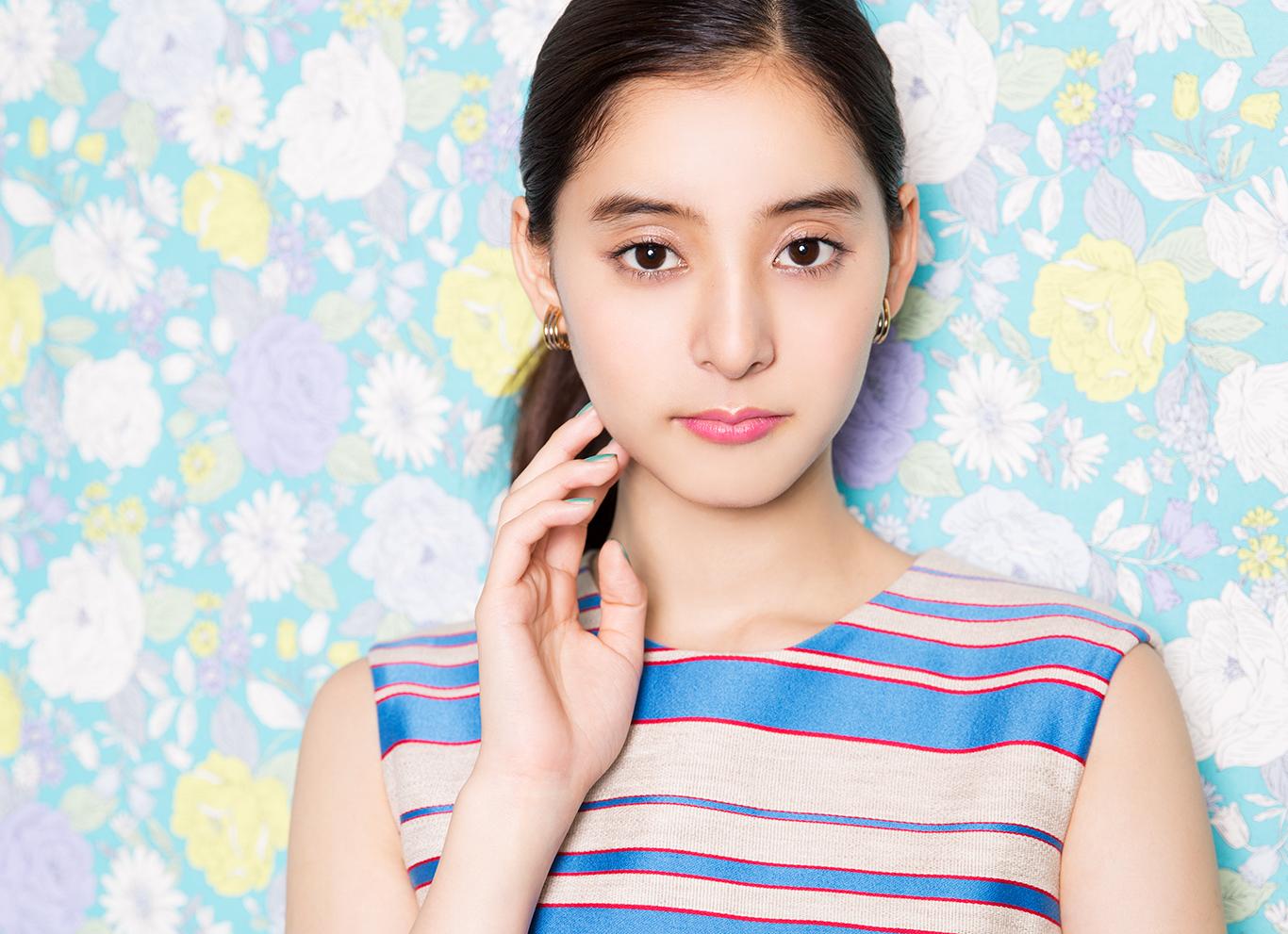 注目の女優・新木優子、躍進のとき!——「気づかれる存在になりたかった」