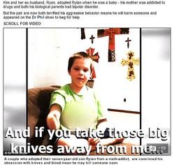 ナイフと血に憑りつかれた7歳児を両親が相談(画像はdailymail.co.ukのスクリーンショット)