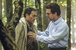 渡辺謙とマシュー・マコノヒー 映画『追憶の森』より  - (C) 2015 Grand Experiment, LLC.