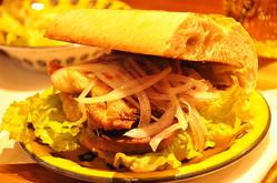 世界で最も人気の朝食!ペルーのサンドイッチが味わえるお店、原宿の「サングチェリア クチ」