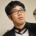 鈴木拓はネコに好かれることができるのか!? かわい過ぎるネコたちに腰砕けになる事必至!