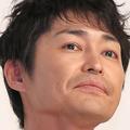 安田顕 石沢綾子アナが鼻をかんだティッシュを口に含む