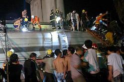 23日に浙江省温州市で発生した高速鉄道列車事故について鉄道部が開いた記者会見の内容に、ネットユーザーから批判的な意見が殺到した。(イメージ写真:中国高速鉄道の脱線事故の現場の様子)