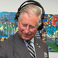 ヘッドホンがお似合いです! - DJに挑戦中のチャールズ皇太子  - Anwar Hussein / WireImage / Getty Images