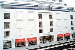 バーニーズ ニューヨーク横浜店にヘアサロンやウェディングコーナー新設