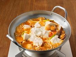 「手づくりキット鍋」(400円)は「スンドゥブ」「トムヤム鍋」「火鍋」「タッカンマリ」の4商品が登場