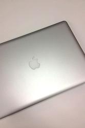 スマホ市場の約50%、タブレット端末の約80%の世界シェアを占めているのがアップルとサムソンだ
