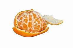 北京地元紙の新京報は14日付で「果物の皮をむかないと、後で大変なことになる」と題する記事を掲載した。残留する化学物質で、健康障害が起きる恐れがあると、世界保健機関(WHO)関係者が話したという。