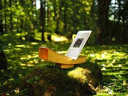 iPhoneで至高の音楽試聴を!樹齢150年の天然木から木工作家が手作りするスピーカーがスゴい