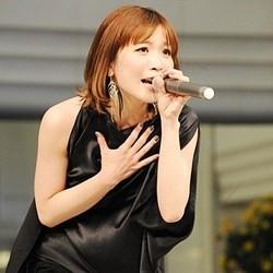 サンシャインシティ噴水広場にMay′n登場! 1,500人のファンを前で新曲を熱唱