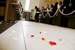 気をつけて! 結婚式での恥ずかしいマナー違反「祝儀袋に薄墨の筆ペン」「平服→チノパンTシャツ」