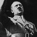 ヒトラーの演説の様子  - Keystone / Getty Images