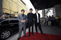 (左から)錦織良成監督、青柳翔、小林直己 (C)2017「たたら侍」製作委員会